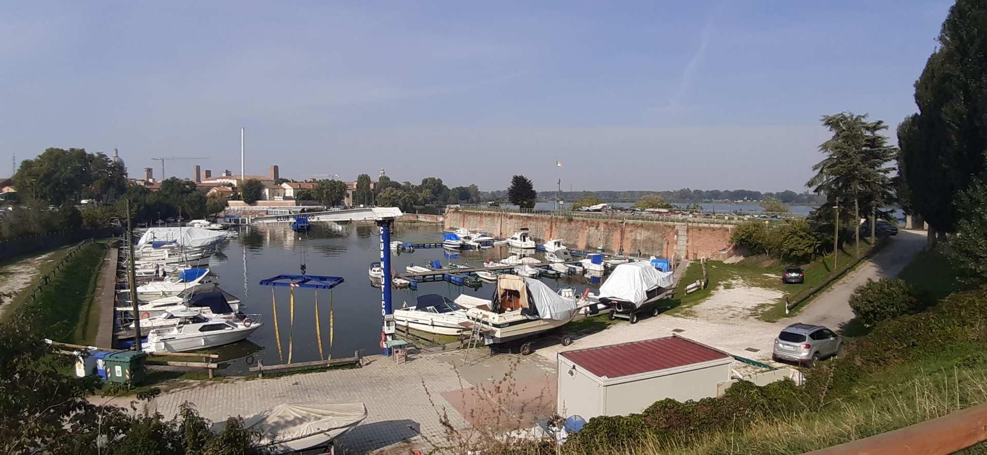 lungolago Mantova