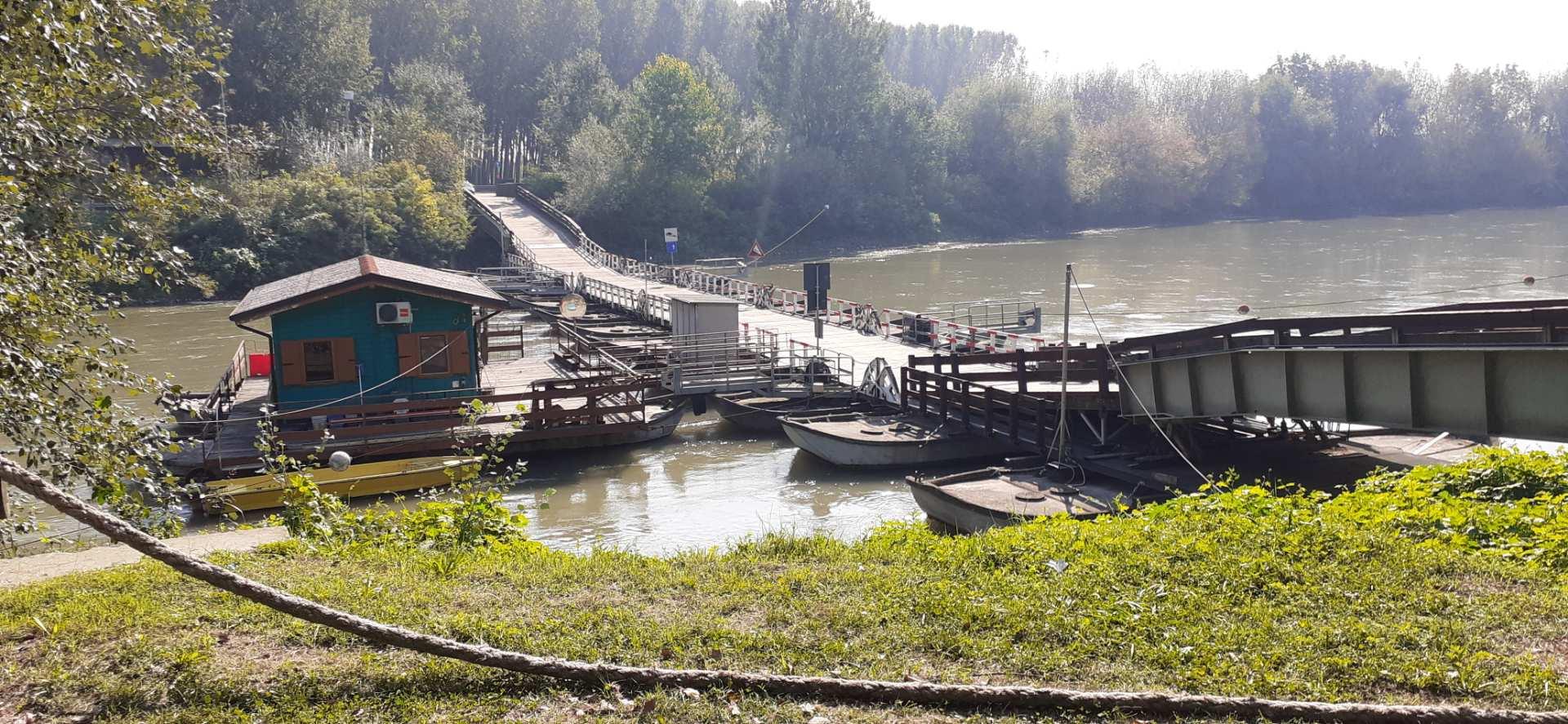 Ponte su barche di Torre d'Oglio