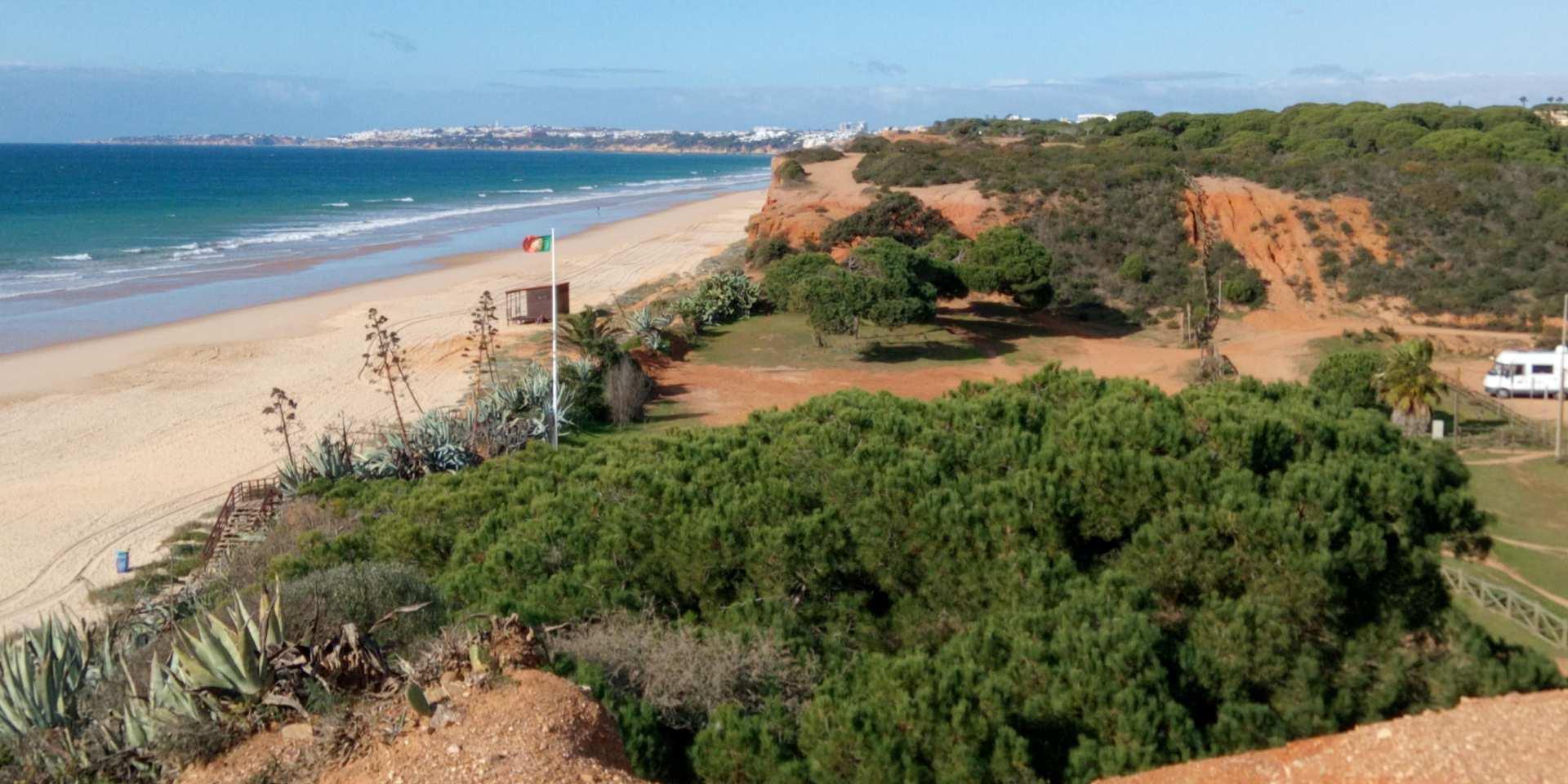 Praia da Rocha Baixinha Nascente